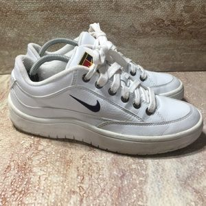 Vintage Nike Tennis Shoes White 90s size 7.5